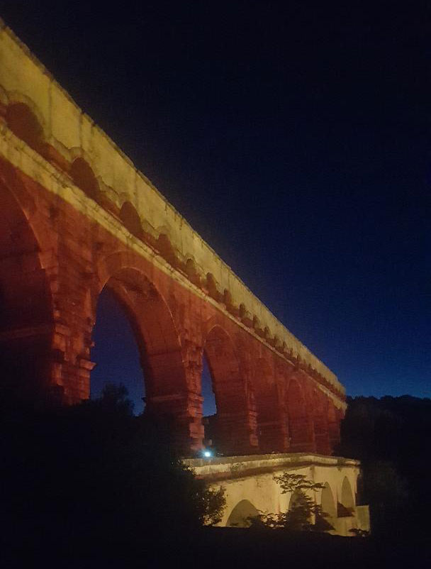 Pont du gard by night sans filtre